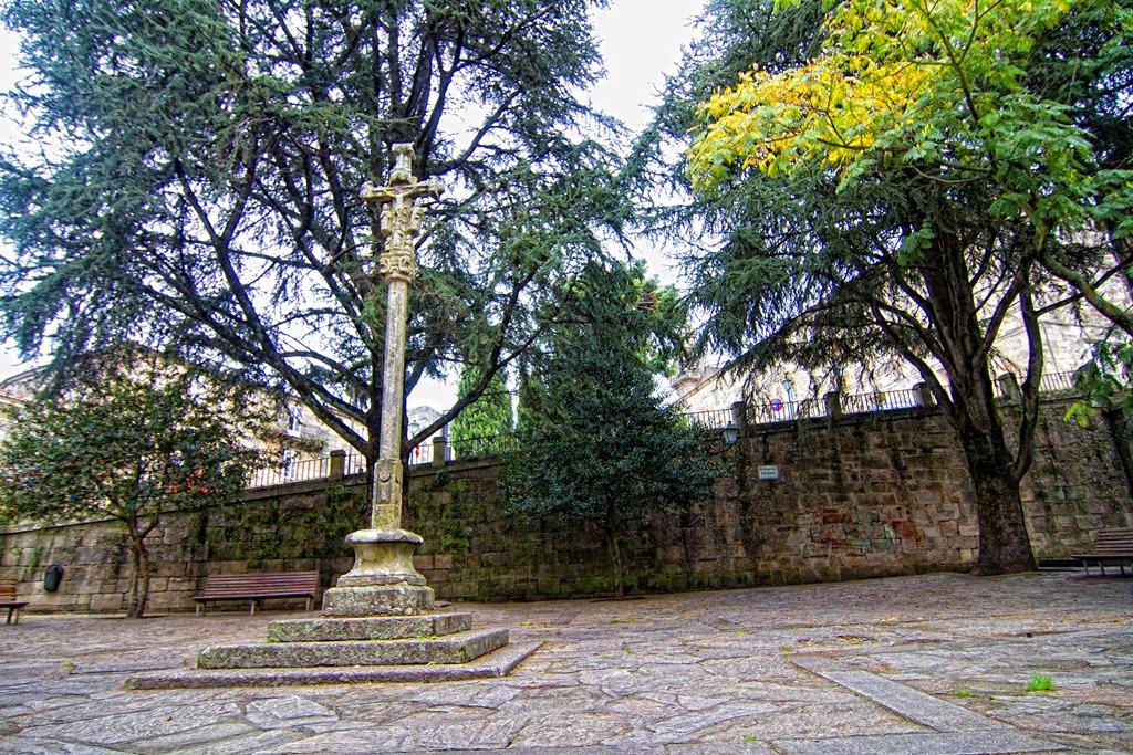 Cruceiro Home Santo Bonaval_Santiago de Compostela